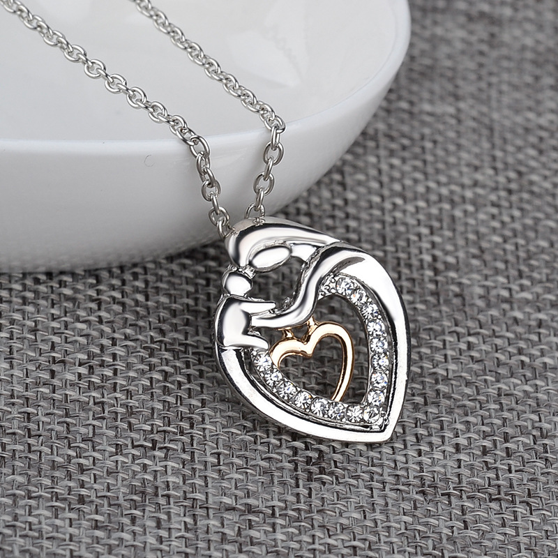 Explosion Necklace Clavicle Chain Fashion Trend Mothers Day Gift Belt Diamond Double Heart Pendant Necklace wholesale nihaojewelry  NHMO219022