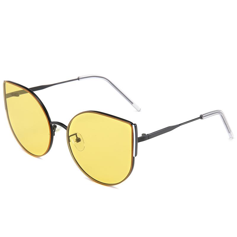 Màu ống kính: phim màu vàng