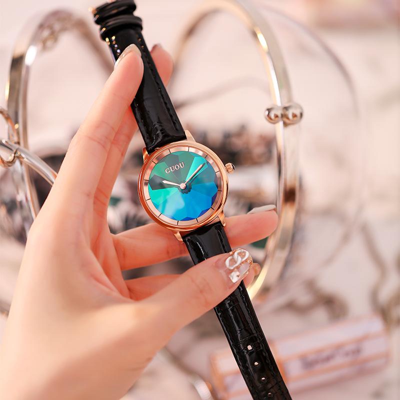 手表女2019年新款简约气质钢带女士手表炫彩面绿色时尚防水石英表