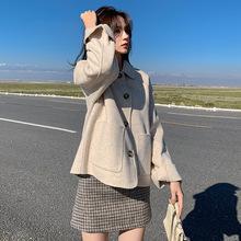 秋冬韩版女装宽松斗篷型毛呢外套女式时尚单排扣翻领短款呢子大衣