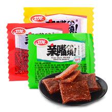 卫龙辣条亲嘴烧0g/片 休闲素肉豆制品辣条辣片小零食大刀肉辣条