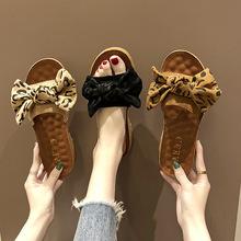 拖鞋女夏外穿海邊度假拖鞋2019新款韓版豹紋蝴蝶結軟底一字拖批發