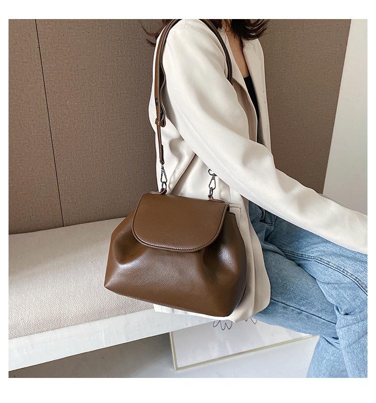 Fashion Mini Crossbody Bag New Vintage Wild Pure Wide Shoulder Bag NHPB196971