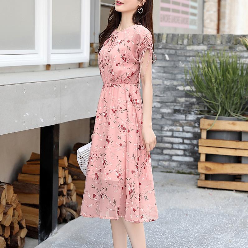 雪纺碎花连衣裙女2019夏季新款短袖收腰显瘦气质流行夏天粉色裙子