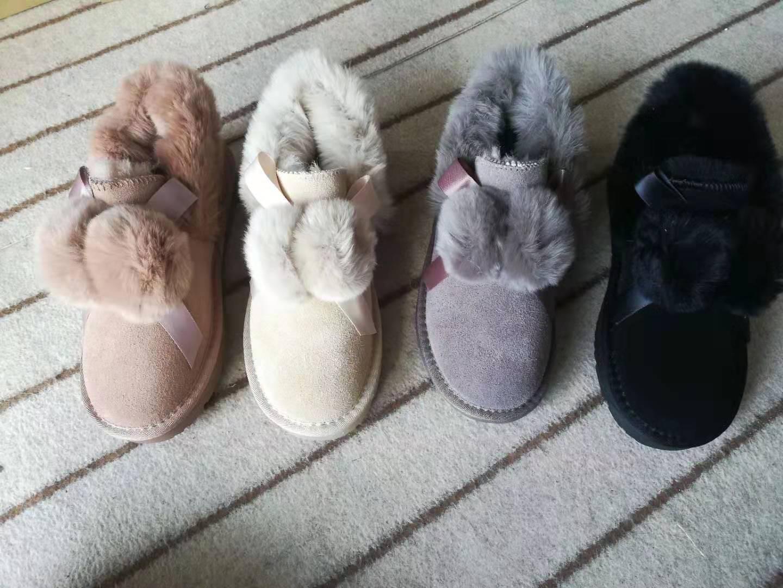厂家直销2020新款韩版加绒雪地靴短款时尚可爱毛毛球獭兔毛保暖鞋