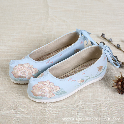 Chinese hanfu Dynasty shoes ancient shoes children heightening embroidered shoes