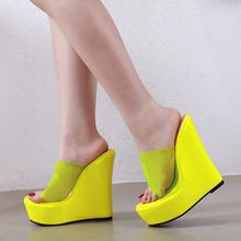 性感夜店女士凉拖鞋露趾纯色透明PVC坡跟粗超高跟鞋大码42黄橘色