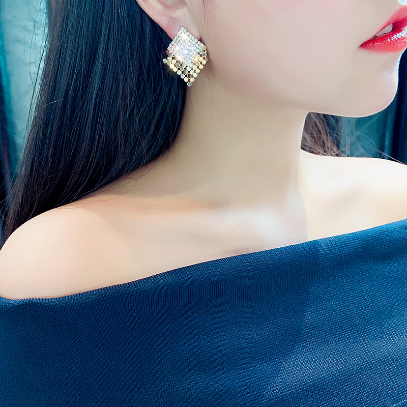 Fashion (golden) Diamond-shaped Full Diamond Sequins Rhinestone Square Alloy Tassel Earrings