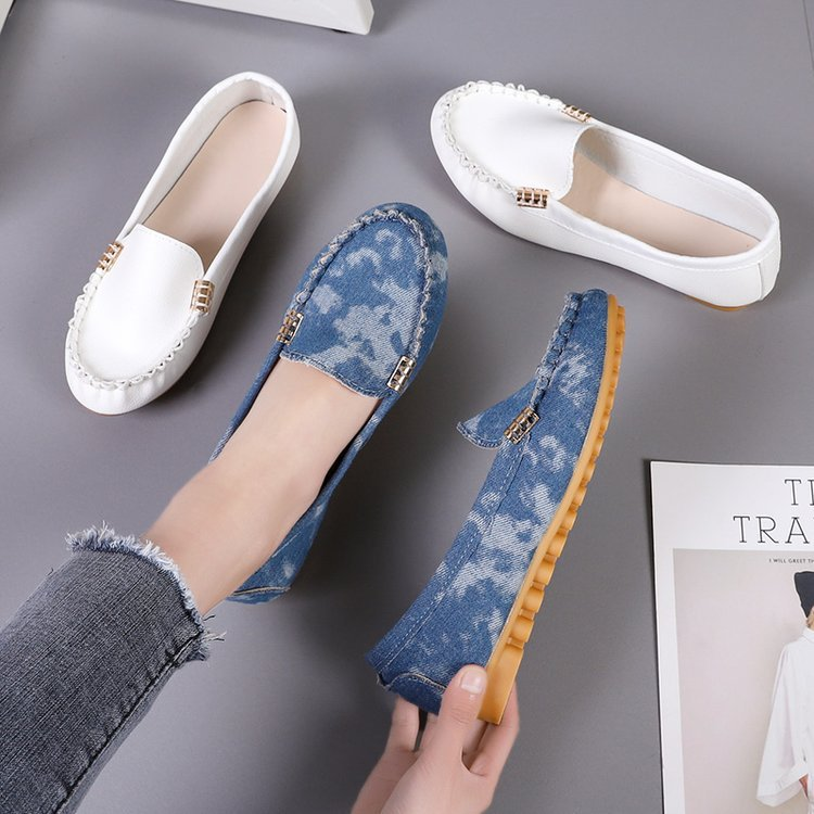 New Women'S Leisure Flat Bottomed Bean Shoes Round Head Shallow Mouth Single Shoes Large Size Shoes