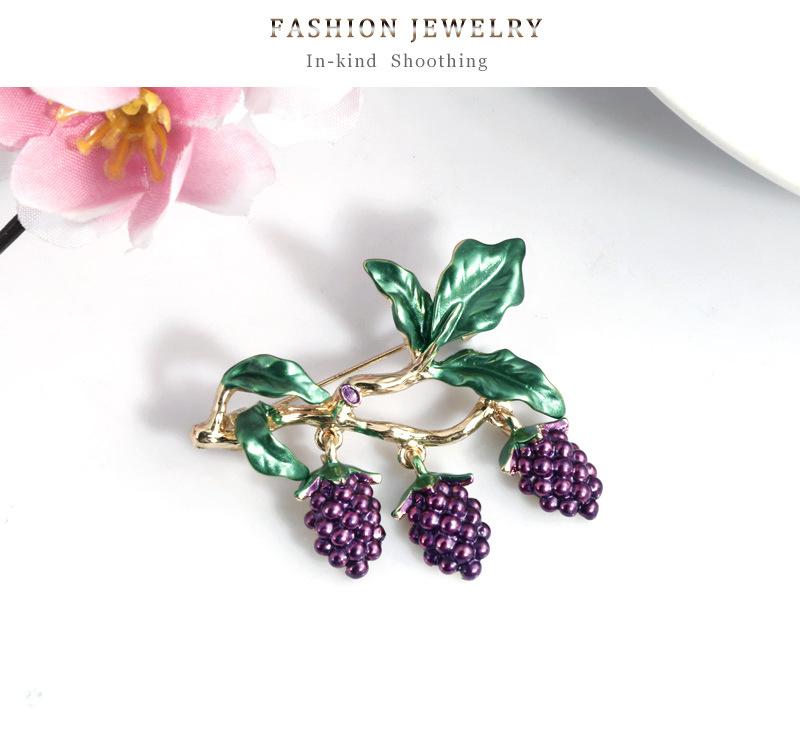 Korean wild fruit jewelry fashion dripping grape brooch new women's brooch pin NHDR199858