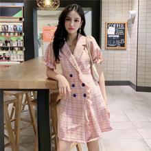 新款小眾粉色格子V領桔梗連衣裙子女2019夏裝時尚流行短裙女 潮
