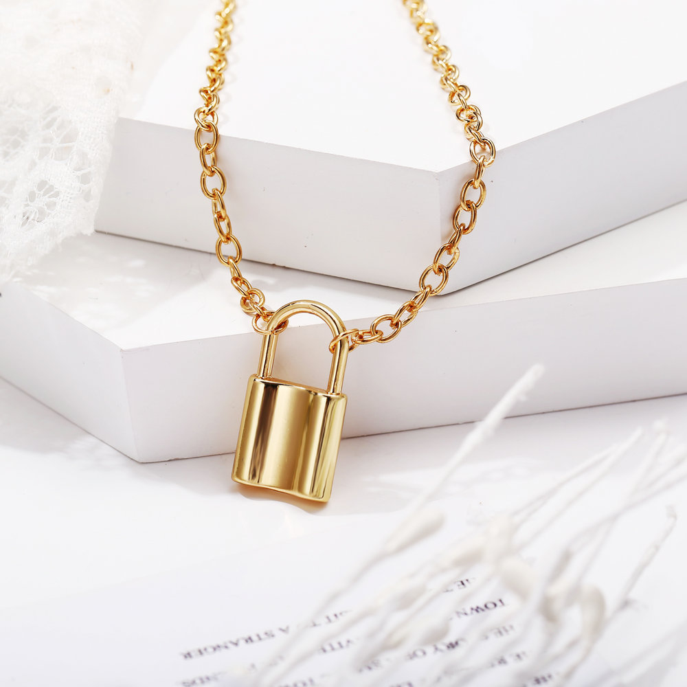 New lock metal pendant necklace creative wild punk wind alloy clavicle chain NHPJ173188