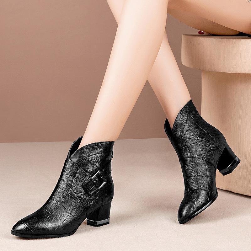 2019春秋季新款真皮粗跟短靴女中高跟女靴子圆头女踝靴子大码女鞋