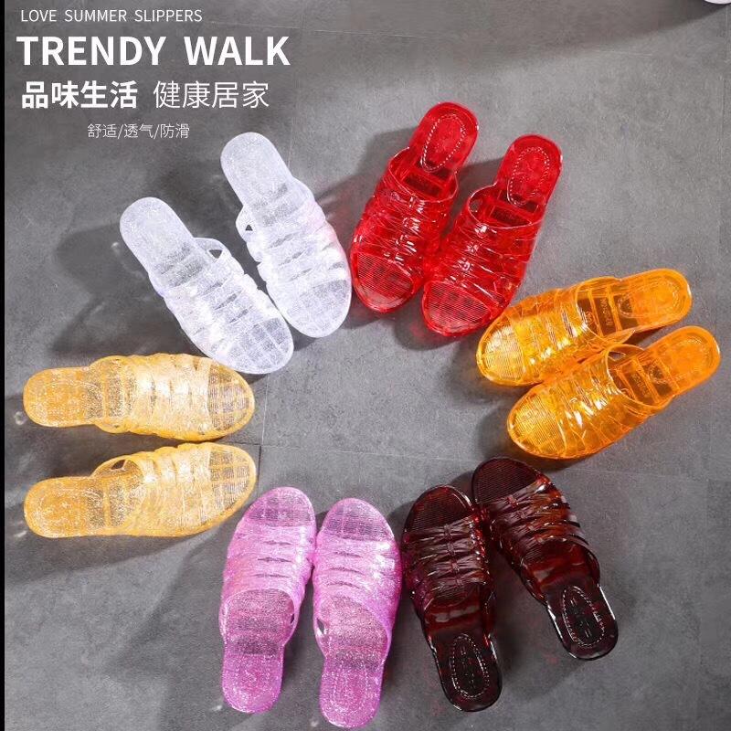 新款夏季水晶凉拖鞋女透明塑胶防滑坡跟浴拖室内外居家老式靓拖鞋