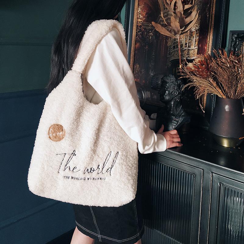 布凡良品|韩版ins卡通毛绒手拎包可爱学生党刺绣羊羔绒单肩包文艺