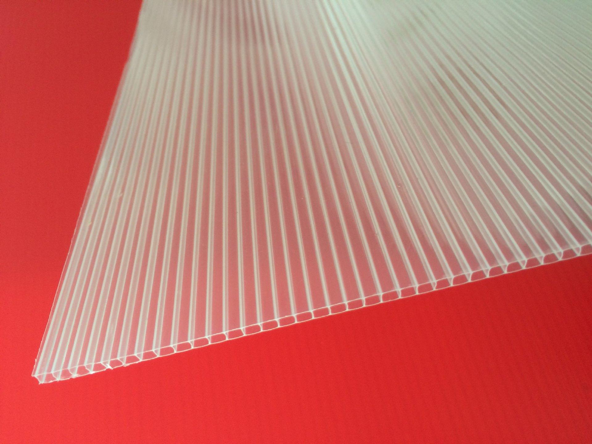 厂家供应PE阳光板 PE中空板 3mmPE阳光板 牛羊棚专用 源头厂家