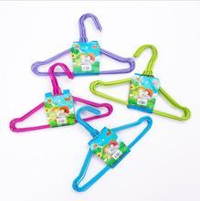 儿童衣架10个热销日用品厂家一件代发包邮晾衣架小浸塑挂衣架光滑