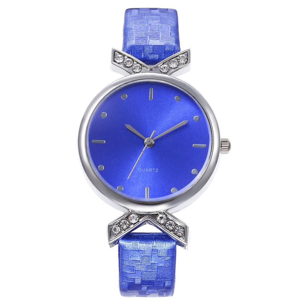 Watch ladies personalized diamond ladies fashion rivet scale simple watch ladies wholesale NHHK184917