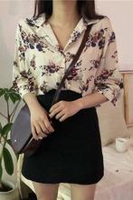 2019春夏新款韩版时尚chic港味上衣宽松百搭雪纺复古花朵衬衣女潮