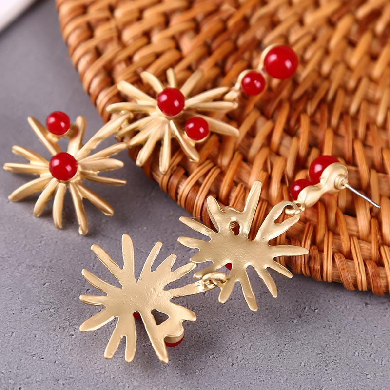 Korean Fashion Asian Gold Flower Pearl Earrings Geometric Simple Earrings NHLA204603