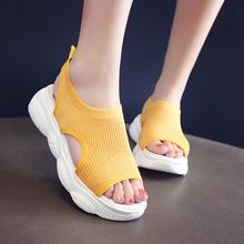 网红透气?#31995;?#38795;厚底松糕运动凉鞋女夏季新款百搭平底罗马流行女鞋