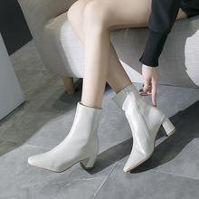 马丁靴暗黑女白色小短靴女春秋2019中筒靴方头单靴粗跟马丁