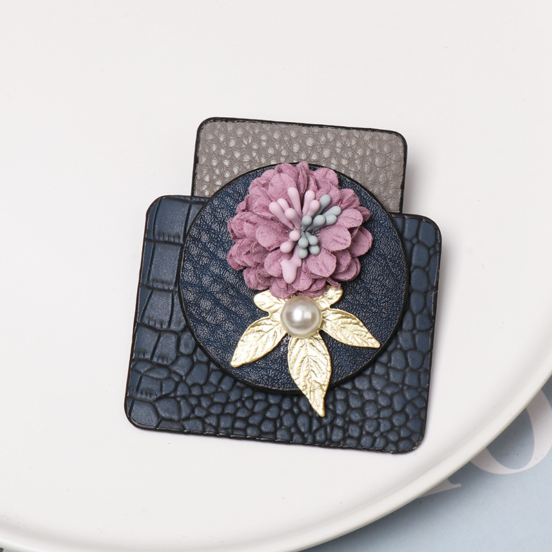Flower geometric leather brooch NHJJ156634