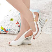 亞馬遜40-43外貿女鞋魚嘴異型跟大碼拼接亮片女士涼鞋跨境貨源