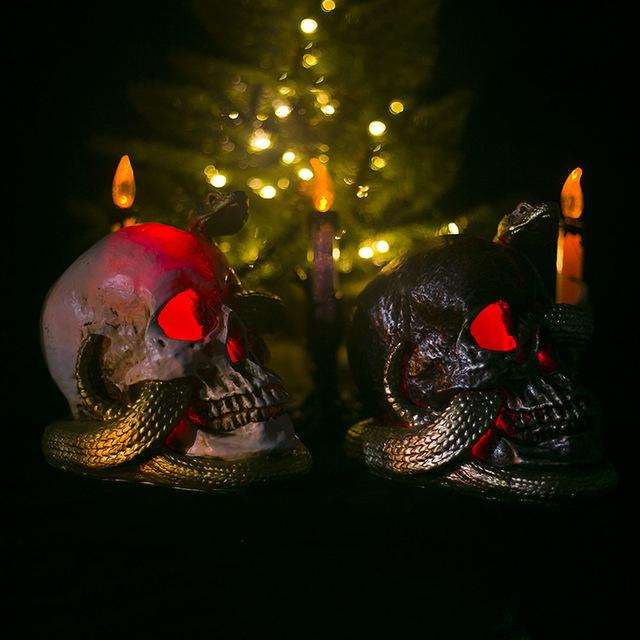 禧宝万圣节装饰品仿真盘蛇骷髅头鬼节装饰摆件带灯创意树脂工艺品