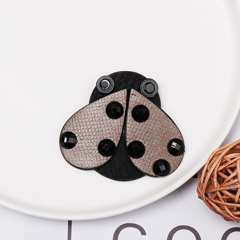 New ladybug leather brooch NHJJ156639