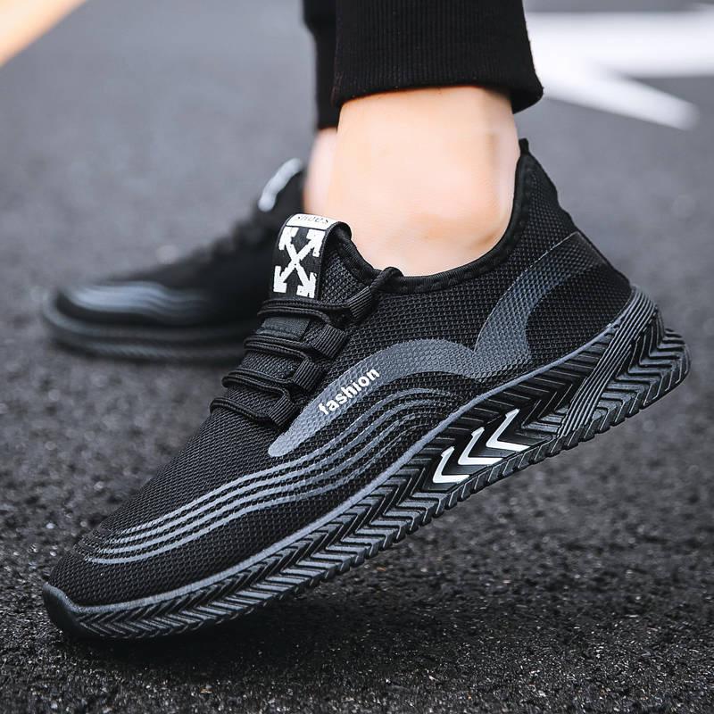 2020 الصيف الجديدة تحلق المنسوجة تنفس الاحذية الرجالية الاتجاه الأحذية الرياضية البرية الرجال شبكة الاحذية بالجملة