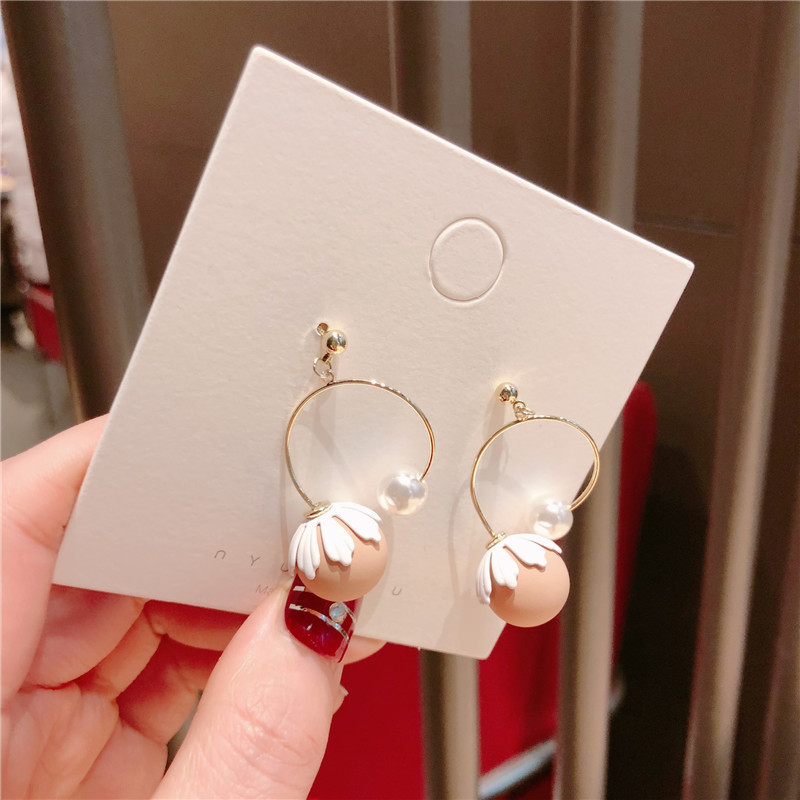 Alloy Korea Flowers earring  (White petal beads)  Fashion Jewelry NHQG1542-White-petal-beads