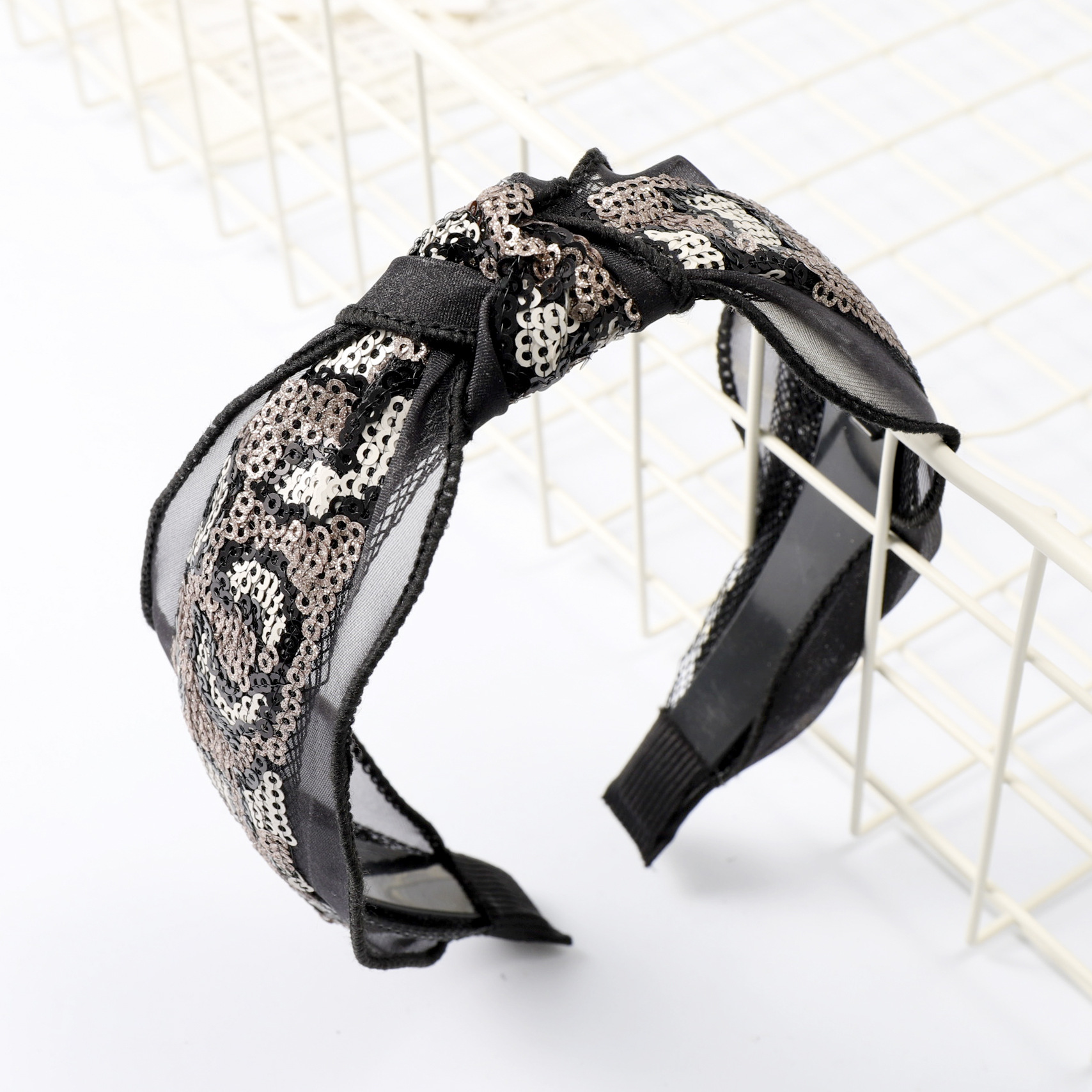 Sequined leopard middle knotted mesh headband NHOU152508