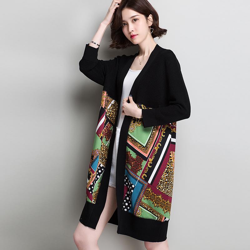2019春季新款冰麻针织衫女装时尚韩版中长款V领印花拼接开衫外套