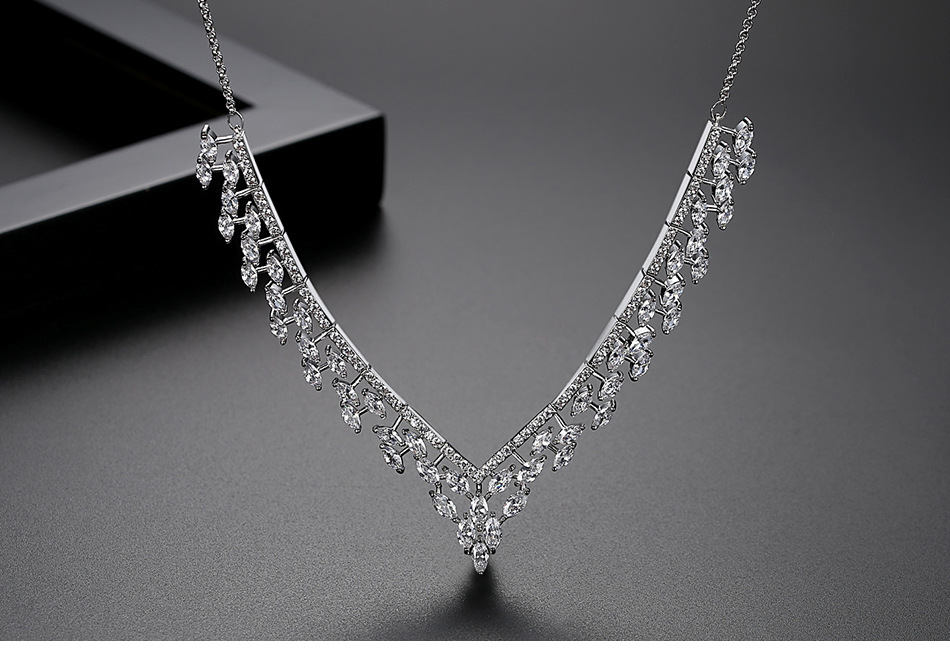 Fashion Fashion New Simple Wild Lady Banquet Copper Inlaid Zirconium Necklace NHTM199512