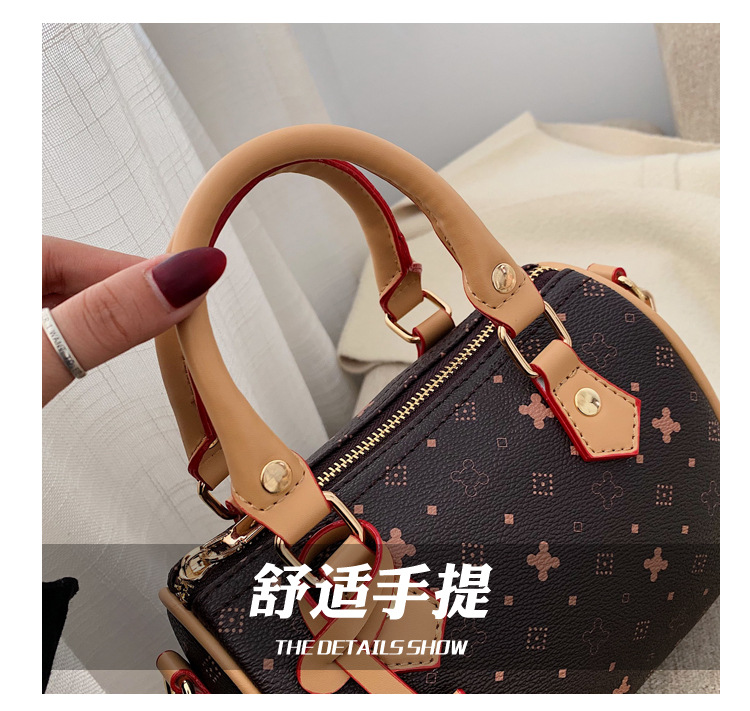 Retro wholesale bag winter new ladies shoulder bag portable messenger bag NHTC185294