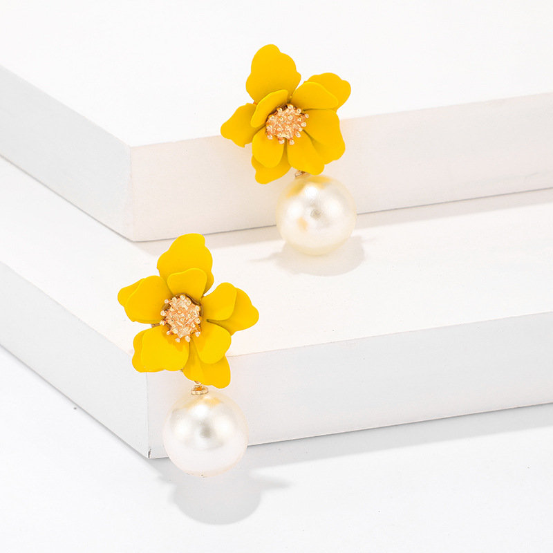 Stylish and simple versatile three-dimensional beads flower earrings NHGY132494