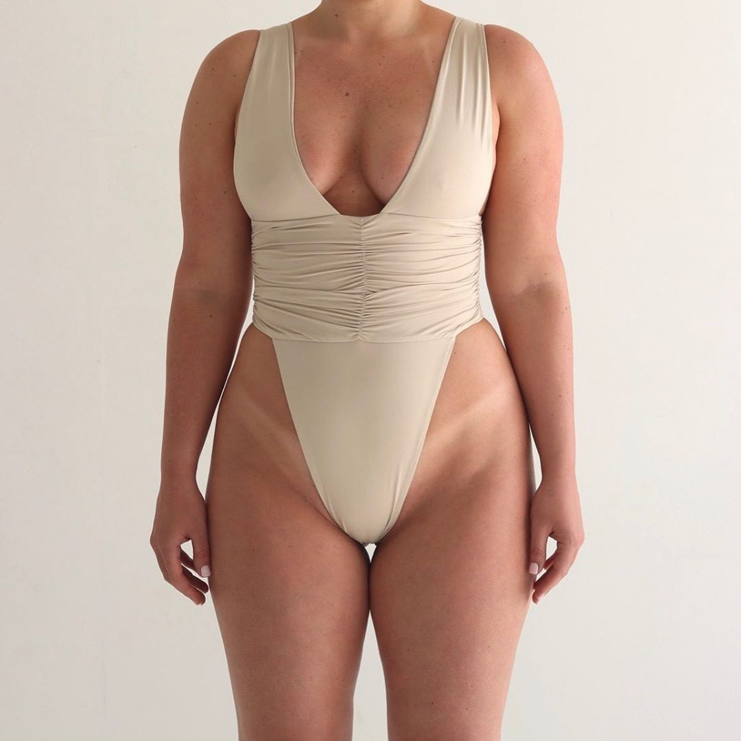 New sexy one-piece swimsuit solid color backless conservative swimwear swimwear wholesale NHHL198968
