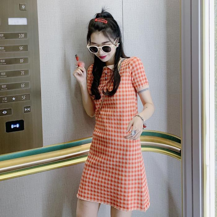 2019夏季新款小清新气质翻领格子修身显瘦短袖针织连衣短裙子女潮