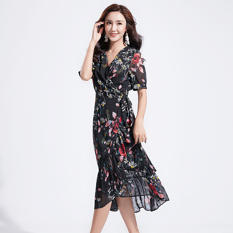 2019 summer new women's Korean version of the V-neck print ruffled beach skirt chiffon short-sleeved dress
