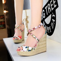 892-2 Korean version high-heeled hemp rope knitted slope-heeled silk, satin, broken fish-mouth, hollow metal chain, cross-strapped sandals