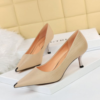 6826-A15 high wind in Europe and America with thin and shallow mouth show thin sheet metal point professional OL sexy silks and satins shoes for women's shoes