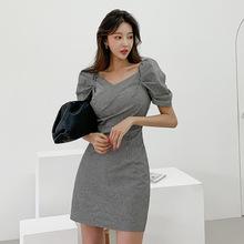 跨境女装2020夏季新品韩版气质V领泡泡袖格纹修身显瘦包臀连衣裙