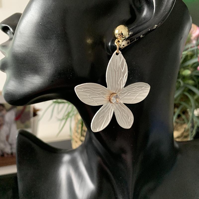 Fashion Petal Alloy Large Earrings Exaggerated Paint Stud Earrings wholesales yiwu NHJJ203629
