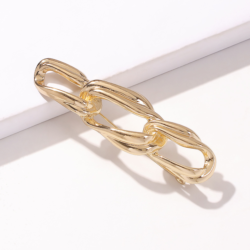 hot sale fashion women's alloy jewelry creative trend chain brooch electroplating small pin jewelry wholesale nihaojewelry NHMD236033