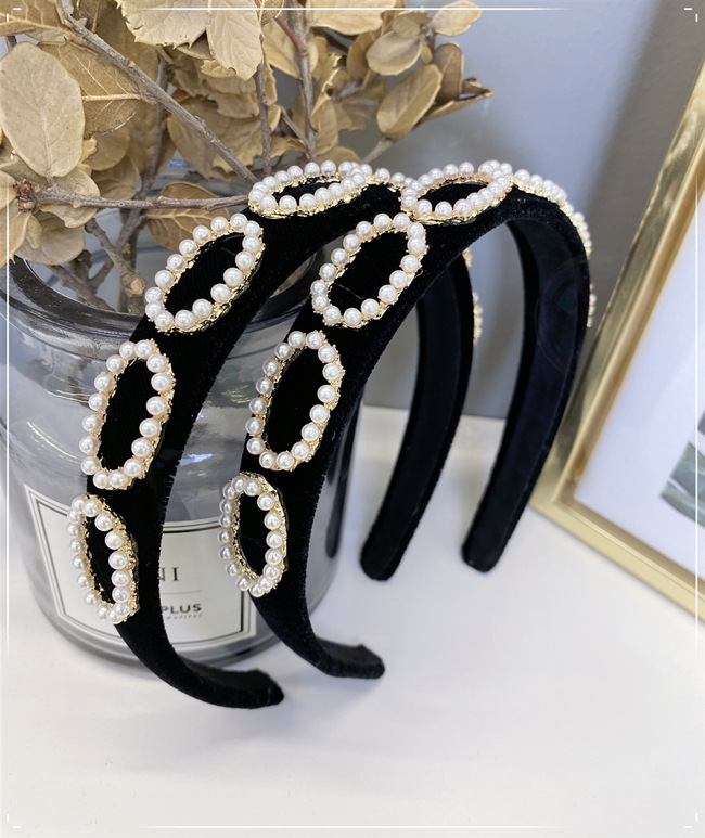 Korean fashion pearl headband bm solid color sponge headband flannel alloy inlaid pearl hollow wide-brimmed headband nihaojewelry wholesale NHSM214545
