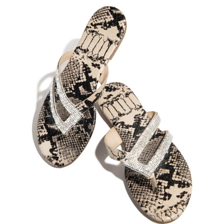 New style water diamond flat bottom sandals women's flat heel clip toe European and American fashion leopard print large flat bottomed sandals and slippers