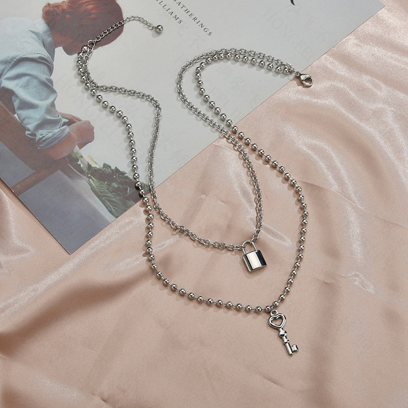 Korean new retro geometric lock necklace for women simple niche double clavicle chain trend wild necklace nihaojewelry NHHF237017