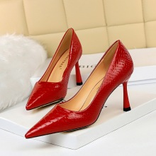 627-5 European and American fashion sexy nightclub show thin snake pattern bright finish patent leather shallow mouth pointed high heels women's single shoes