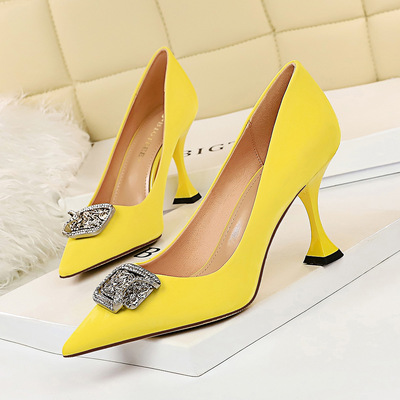 282-3 European and American fashion with high with shallow mouth cat pointed metal diamond buckle sexy nightclub high-he